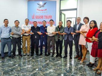 Ông Nguyễn Minh Luân(thứ ba bên trái) và đại diện các doanh nghiệp – đối tác