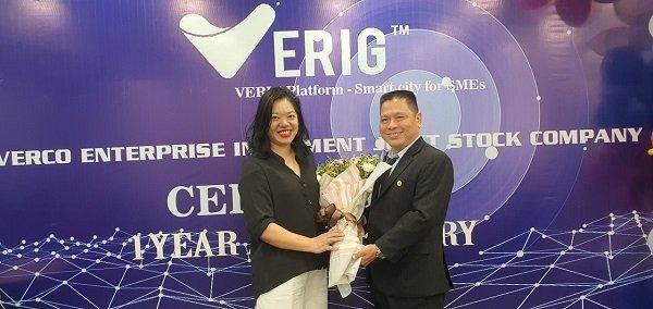 Ông Nguyễn Minh Luân - Giám đốc Công ty Phong Phú Vi Na làm việc cùng đối tác